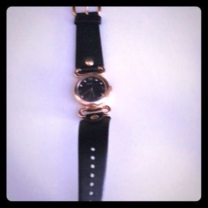 Marc Jacobs watch in black and gold